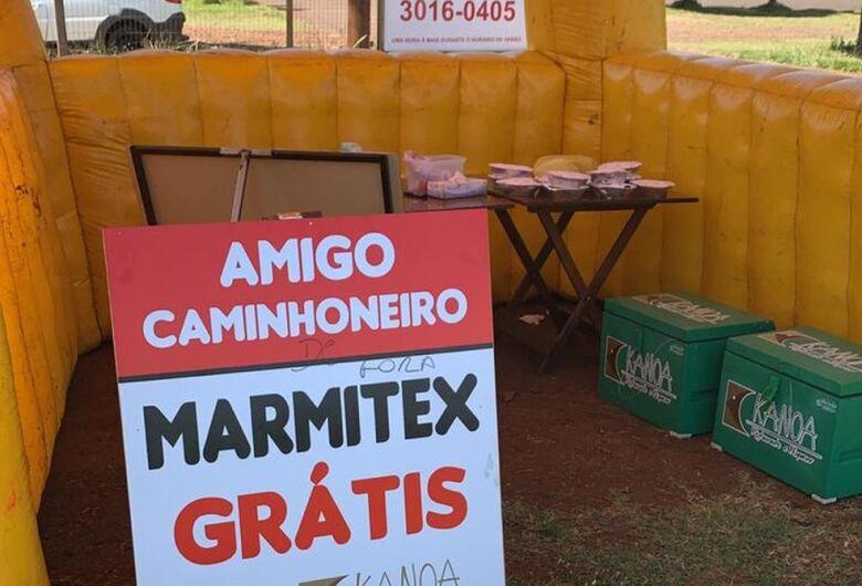 Em Dourados, restaurante distribui marmitas a caminhoneiros em meio a crise de Coronavírus