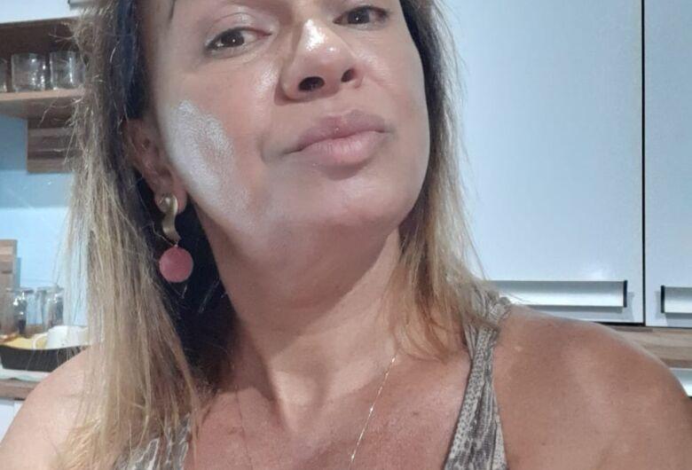 """Cláudia supera """"maldição dos 35"""" e prova que mulher trans também tem lugar"""
