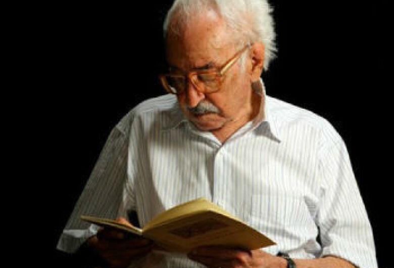 Manoel de Barros se eternizou através da poesia