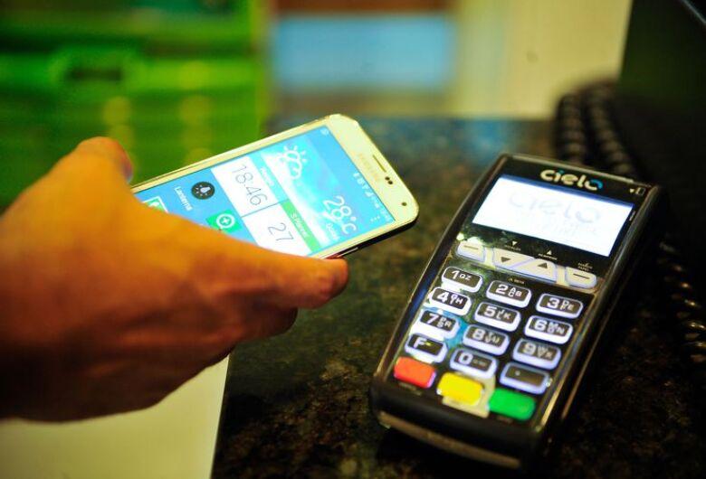 Entenda o que são pagamentos por QR code e cashback