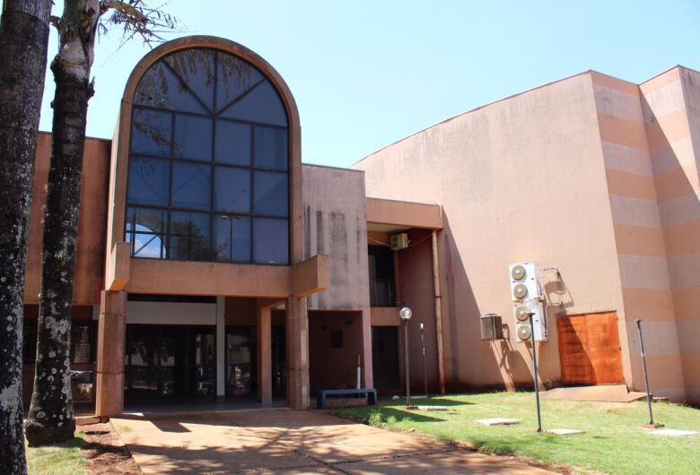 Teatro Municipal fecha após notificação do Corpo de Bombeiros