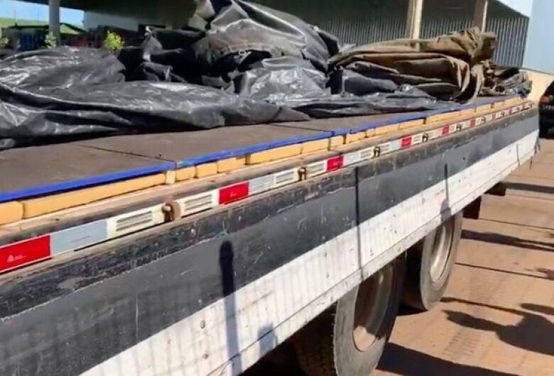 Sob carga de açucar, PRF apreende 1.4 T de maconha em Caarapó