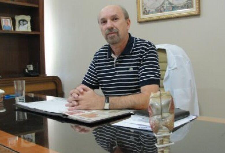 Fonoaudiólogo Ademir Baena alerta para distúrbios da voz