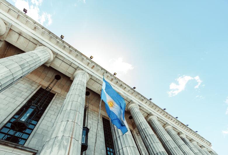 Argentina impõe severa proibição de viagens até setembro