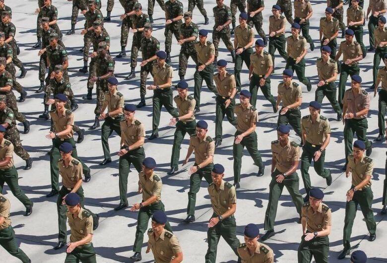 Exército se prepara para ser acionado e suspende férias militares