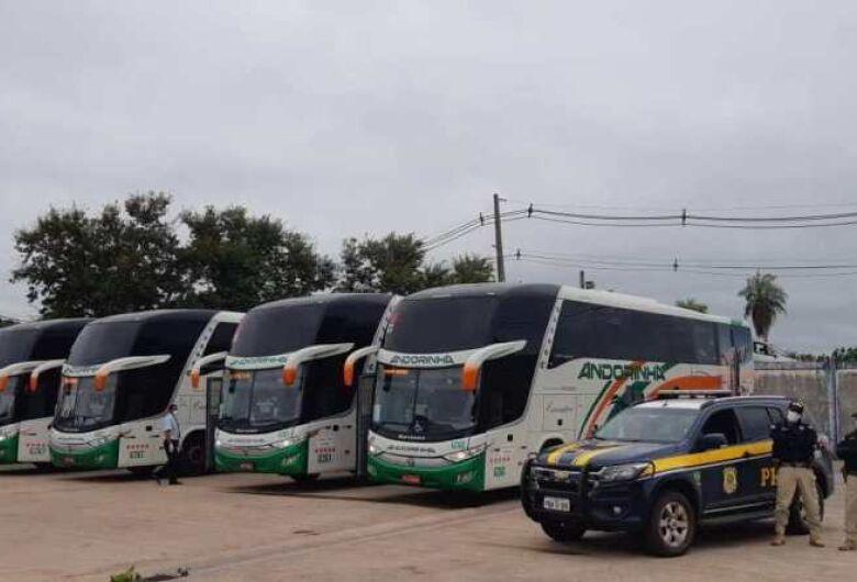 Escolta de repatriados brasileiros vindos da Bolívia é realizado pela PRF