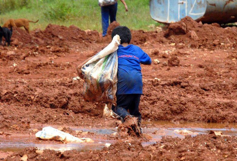 Pandemia pode levar 86 milhões de crianças à situação de pobreza