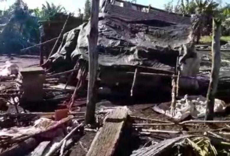 Vendaval destrói comunidade indígena na fronteira