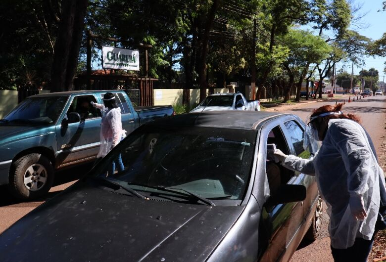 Barreira sanitária avalia 2.500 pessoas no primeiro dia em Dourados