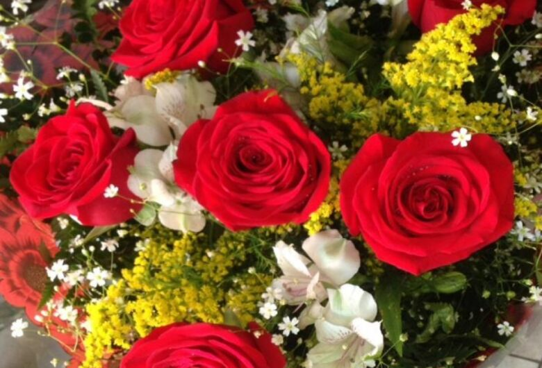 Procon pesquisa preços de flores para o Dia das Mães