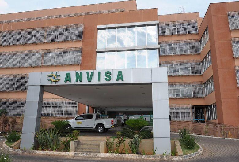 Sancionada lei que agiliza importação de medicamentos contra covid-19