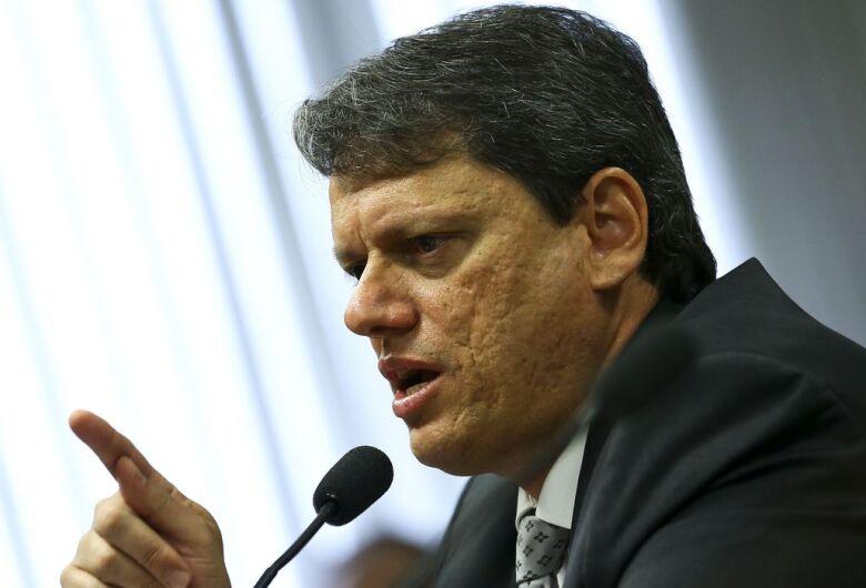 Infraestrutura continua atraente a investimento externo, diz ministro