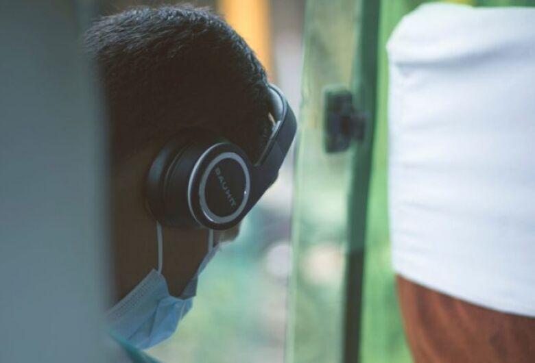 OIT: um em cada seis jovens do mundo está sem trabalho devido à COVID-19