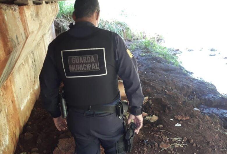Corpo de homem é encontrado embaixo de ponte na região do Jardim Universitário