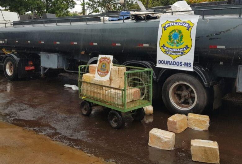 Caminhão tanque é apreendido com 5,2 toneladas de maconha durante operação