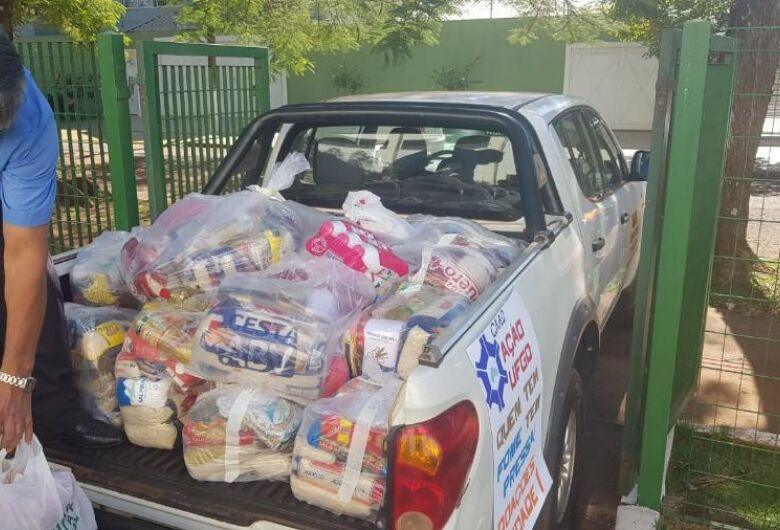 UFGD doa cestas a famílias carentes de Dourados