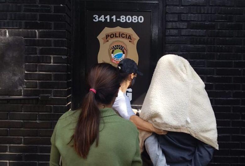 Polícia apreende menor acusado de roubar moto de entregador