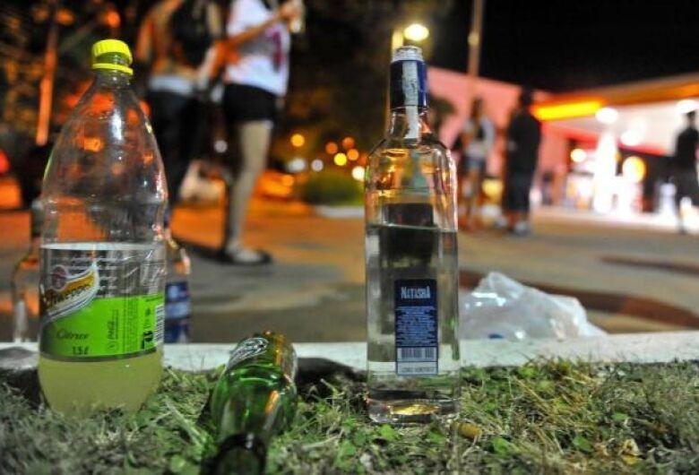 Decreto proíbe consumo de bebidas alcoólicas em locais públicos em Dourados