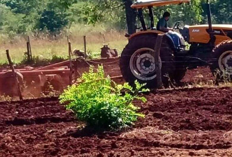 Prefeitura atende pequenos produtores rurais de Dourados
