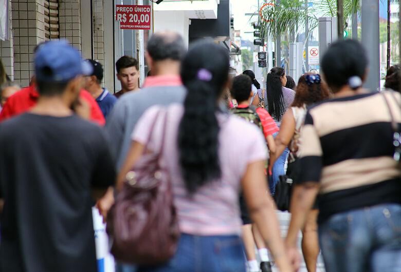 Taxa de isolamento estaciona em 36% e estatísticas já mostram consequências do descaso com a vida