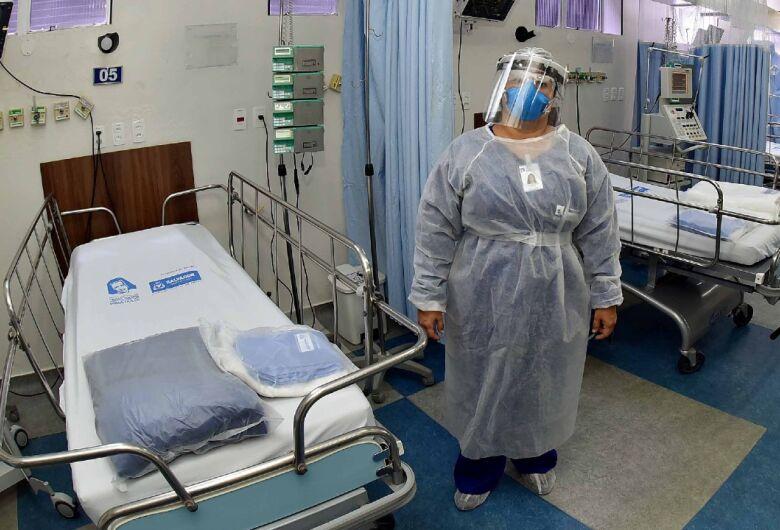 Brasil registra 1.473 mortes em 24h e ultrapassa número de vítimas da Itália