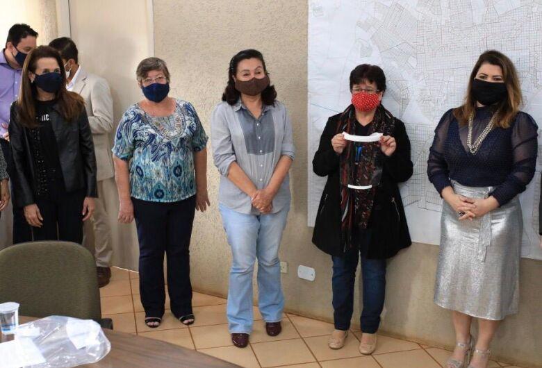 CoronaVidas Hub MS/Dourados entrega 4891 protetores faciais à Saúde