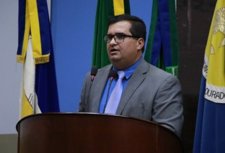 Câmara de Dourados promulga Lei que beneficia estudantes com TDAH