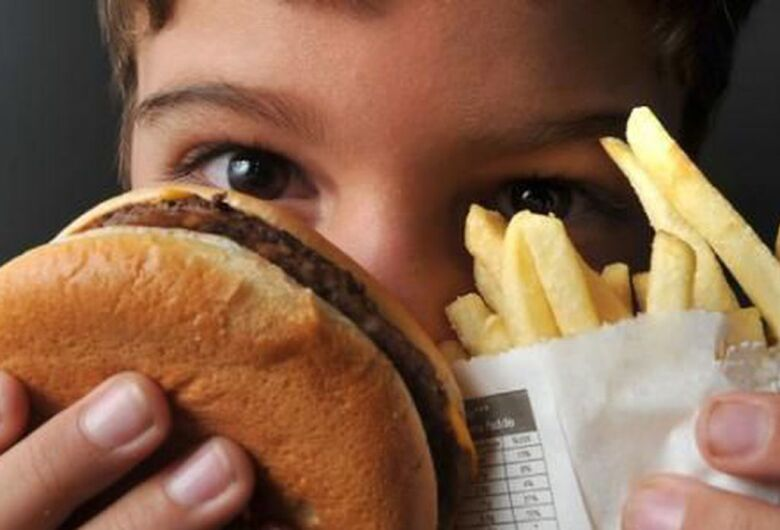 Médicos alertam para obesidade infantil; 3 de junho é dia de conscientização
