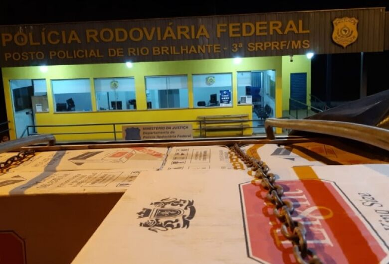 PRF apreende mais 400 mil maços de cigarros em Rio Brilhante