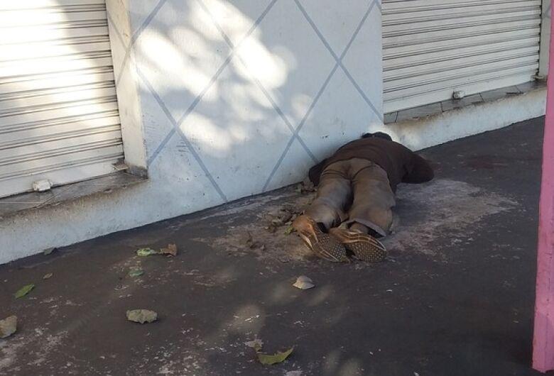 Homem é encontrado morto na Vila Rosa