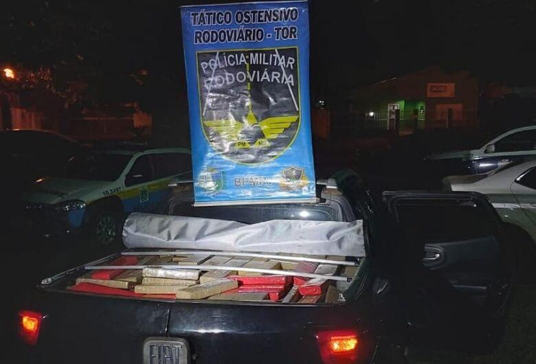 Após traficante desobedecer ordem de parada, Polícia apreende mais de uma tonelada de drogas
