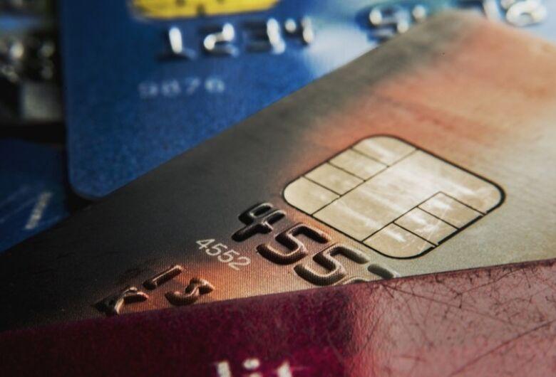 Redução do IOF sobre operações de crédito é prorrogada até outubro