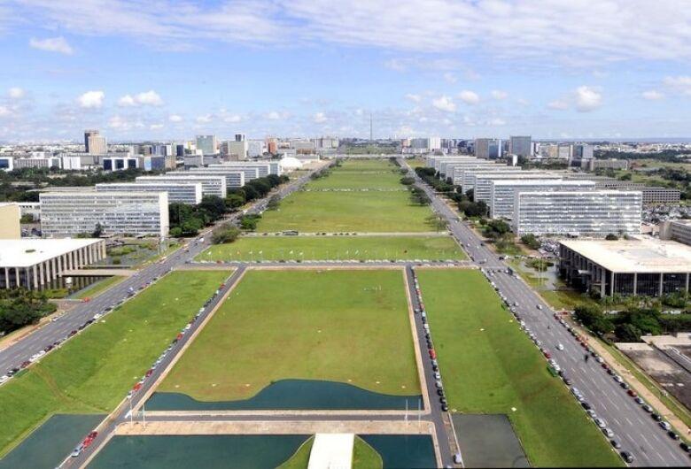 Governo economiza quase R$ 200 milhões com trabalho remoto