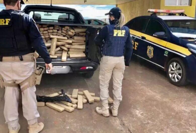 Polícia apreende mais de meia tonelada de maconha na fronteira