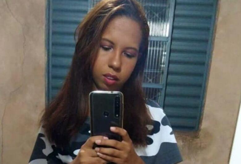 Jovem sequestrada na frente de casa é encontrada morta na Capital