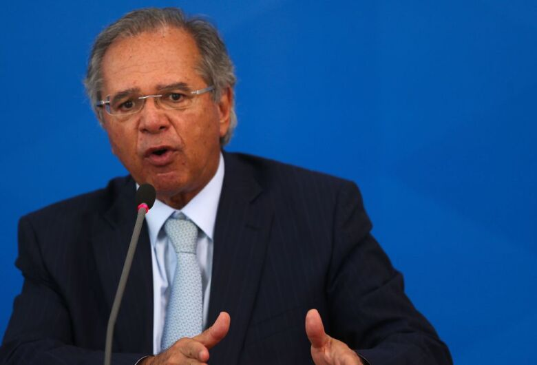 Paulo Guedes testa negativo para covid-19, informa ministério
