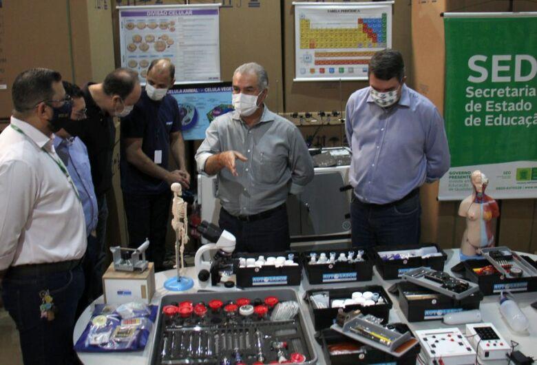 Estado compra 31 laboratórios móveis de ciências para escolas estaduais