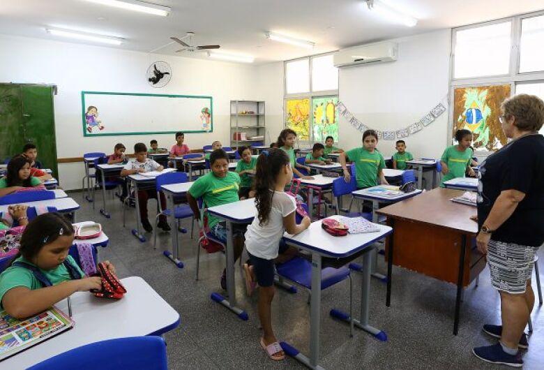Comissão Estadual sugere retorno às aulas presenciais de forma segura em outubro