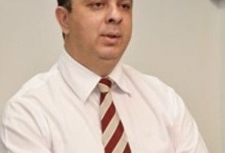 Transferido para SP, delegado com covid continua na UTI