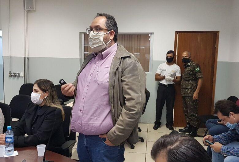 Délia troca comando da saúde mais uma vez durante a pandemia