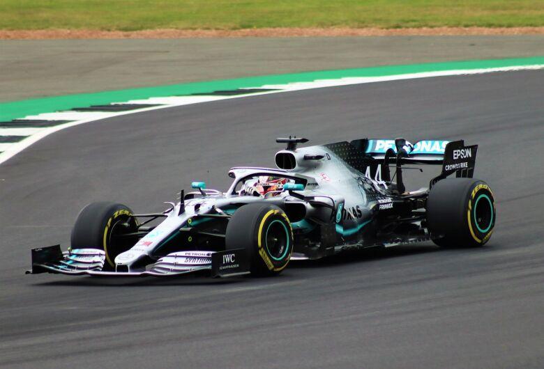 Lewis Hamilton vai largar na frente no GP da Bélgica