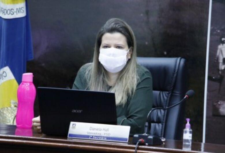 Daniela Hall cobra destino de cloroquina fornecida a Dourados