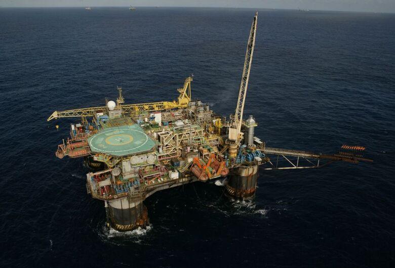 Petrobras inicia venda de dois campos de petróleo de águas profundas