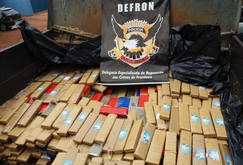 Quase 3 toneladas de maconha são apreendidas em caminhões em MS
