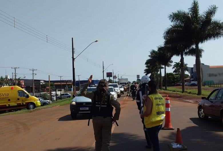 Agentes realizam blitz educativa na Coronel Ponciano, em Dourados
