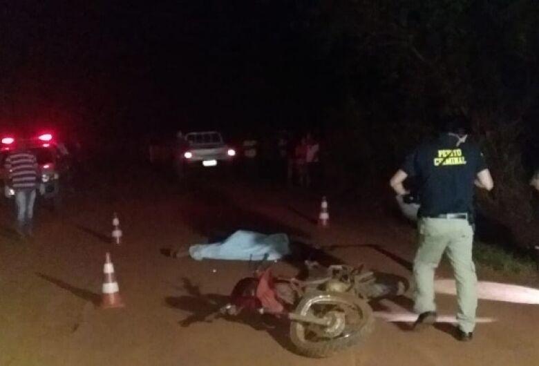 Homem morre após colisão frontal entre caminhonete e moto