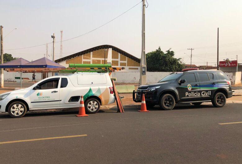 Polícia prende três em operação contra fraudes em medidores de energia elétrica