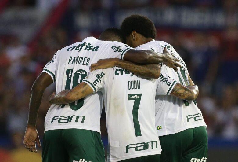 Palmeiras e dupla Gre-Nal voltam a campo pela Libertadores