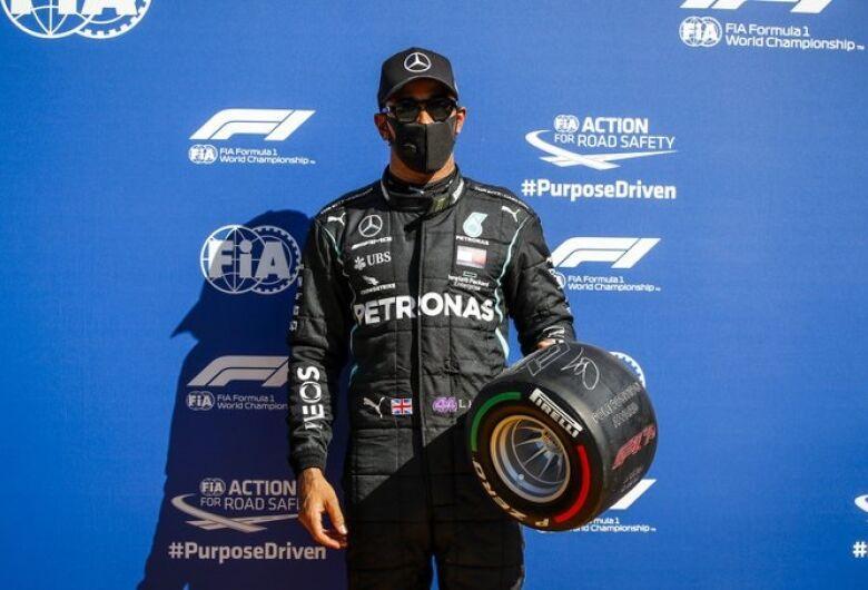 Hamilton garante pole em Monza com volta mais rápida da história da F1