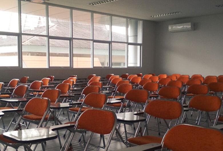 Governo faz reunião com Comitê de Educação e decide em 15 dias sobre aulas presenciais em MS